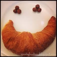 Croissant smile